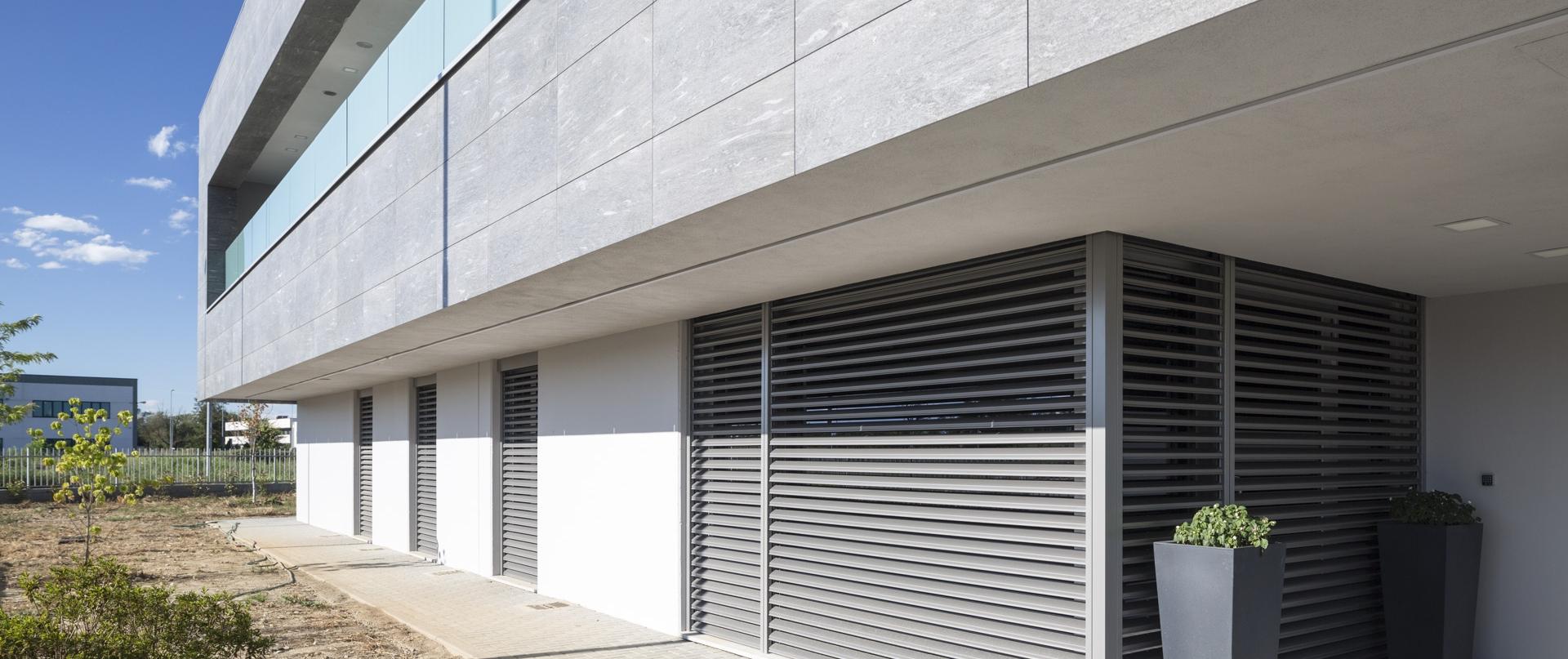 Store extérieur Metalunic toulouse
