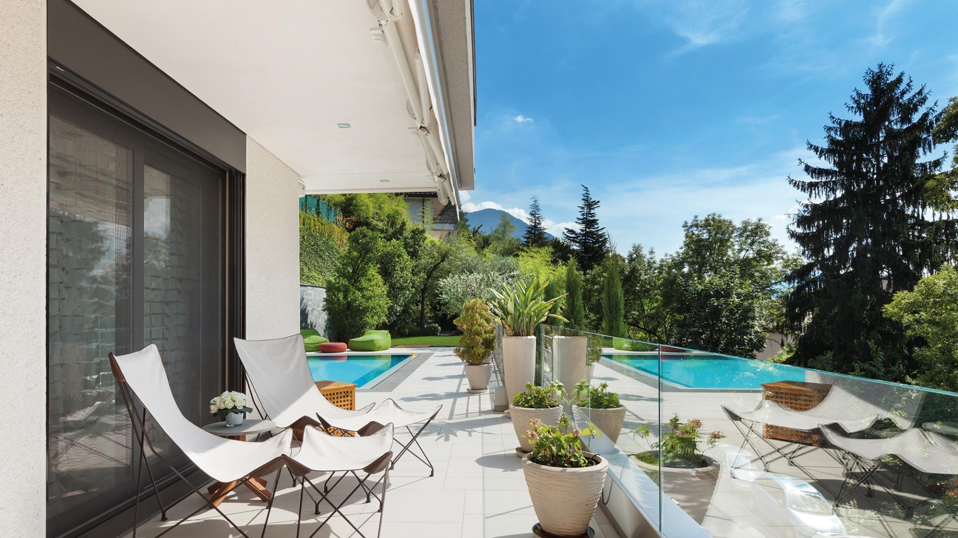 Moustiquaire baies vitrées piscine